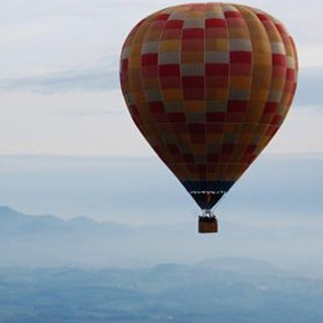 polet z balonom funturist